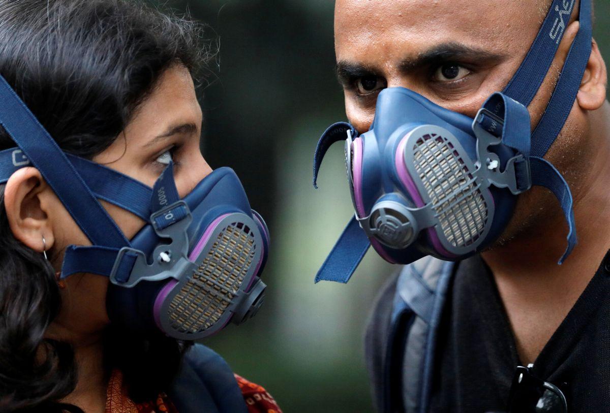 Calls Axe As Grow To Pollution Schools Shut Delhi And Plagues