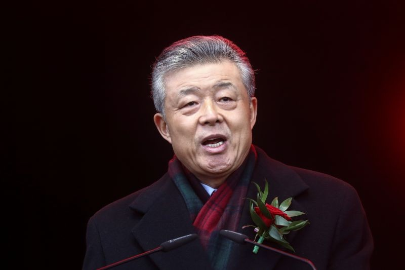 Chinese Ambassador to Britain Liu Xiaoming talks to the crowd following the Chinese Lunar New Year parade through central London, Britain on January 26, 2020. (REUTERS File Photo)