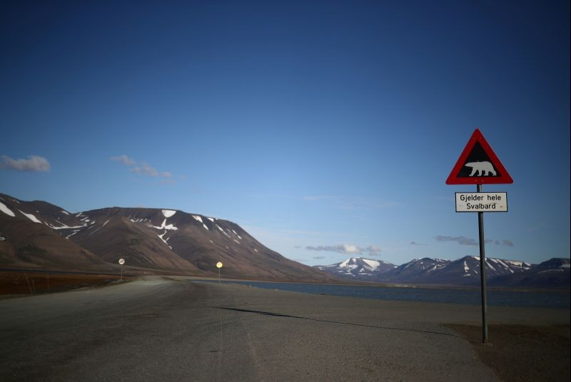 A sign warns of the danger from polar bears in the town of Longyearbyen in Svalbard, Norway on August 3, 2019. (REUTERS File Photo)