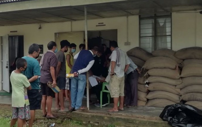 'COVID-19 pandemic reach-out mission' under the initiative of NPF Dimapur Division distributed free food grains to the most needy and marginalised people of Landmark Colony, Dimapur on July 15. Packets containing 20 kilos of rice each were distributed to 150 families with assistance from members of colony council.