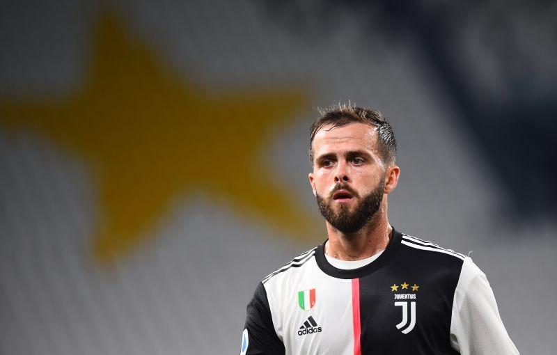 Juventus' Miralem Pjanic, as play resumes behind closed doors following the outbreak of the coronavirus disease (COVID-19) REUTERS/Massimo Pinca/Files