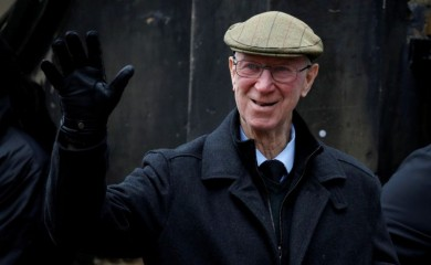 Jack Charlton arrives for the funeral of former England World Cup winning goalkeeper Gordon Banks REUTERS/Phil Noble/File Photo