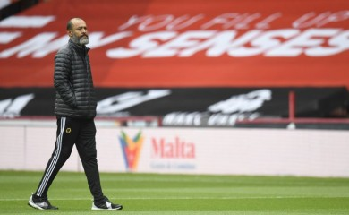 Wolverhampton Wanderers manager Nuno Espirito Santo on the pitch before the match, as play resumes behind closed doors following the outbreak of the coronavirus disease (COVID-19) Peter Powell/Pool via REUTERS/Files