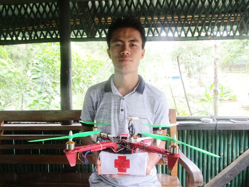 Ponachan Y Kikon from Wokha displays the DIY drone. Kikon is a student of Automobile Engineering at Kelhoshe Polytechnic Atoizu, Nagaland. (Morung Photo)
