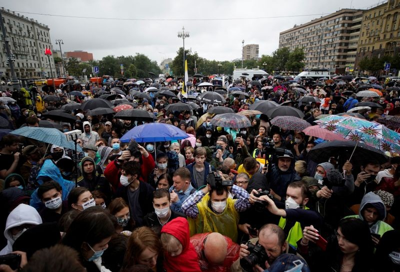 People take part in a protest against amendments to Russia's Constitution and the results of a nationwide vote on constitutional reforms, in Moscow, Russia on July 15, 2020. (REUTERS Photo)