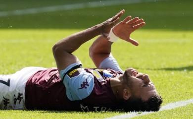 Aston Villa's Trezeguet reacts, as play resumes behind closed doors following the outbreak of the coronavirus disease (COVID-19) Tim Keeton/Pool via REUTERS