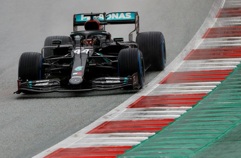 Mercedes' Lewis Hamilton in action during qualifying, following the resumption of F1 after the outbreak of the coronavirus disease (COVID-19) REUTERS/Leonhard Foeger/Pool