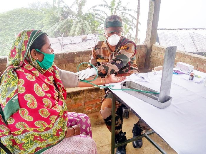 The Jalukie battalion of Assam Rifles under the aegis of HQ IGAR(N) organised a medical camp at Beisumpuiram and Pedi village, Peren District on August 9. 182 residents, across all age groups, received medical consultation and treatment for basic ailments. Masks and hand sanitizers were also distributed and awareness on COVID-19 also imparted.