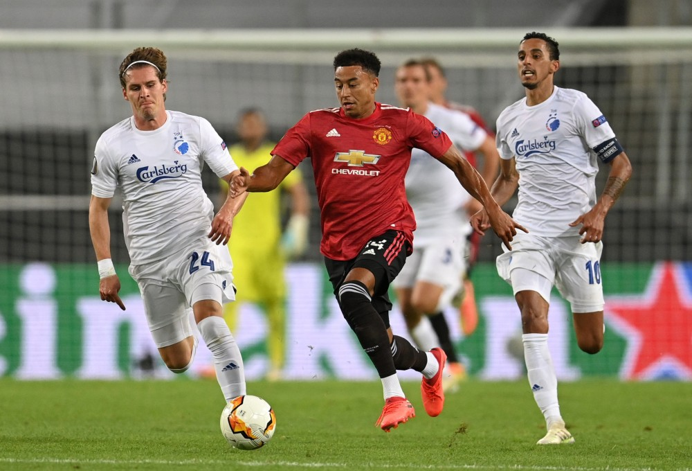 Manchester United's Nemanja Matic in action, as play resumes behind closed doors following the outbreak of the coronavirus disease (COVID-19) Pool via Reuters/Wolfgang Rattay
