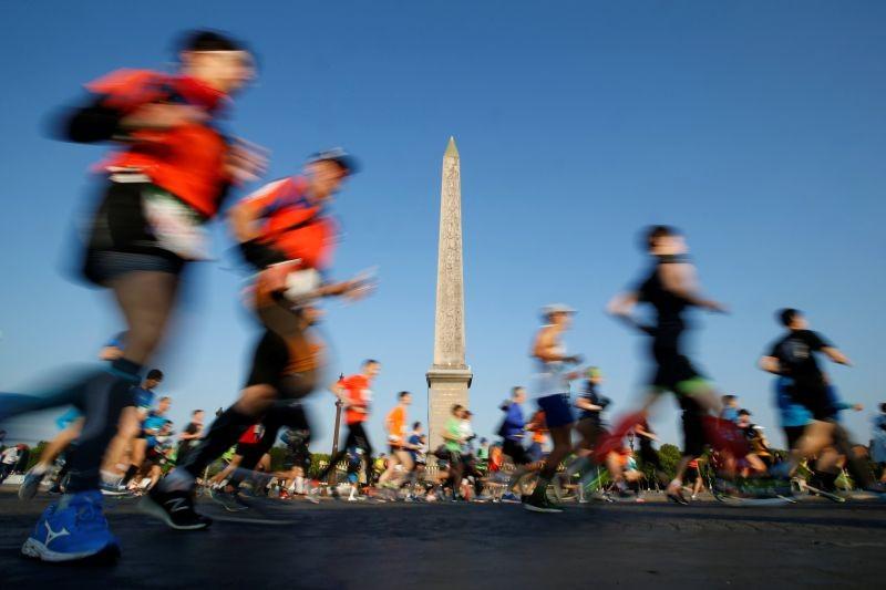 General view during the marathon REUTERS/Regis Duvignau/Files