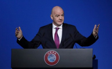 FILE PHOTO: FIFA President Gianni Infantino gestures during a UEFA Congress at Beurs van Berlage Conference Centre, Amsterdam, Netherlands, March 3, 2020. REUTERS/Yves Herman/File Photo