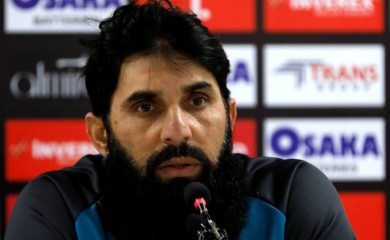FILE PHOTO: Pakistan's cricket coach Misbah-ul-Haq speaks during a news conference at the National Stadium, Karachi, Pakistan December 17, 2019. REUTERS/Akhtar Soomro/File photo