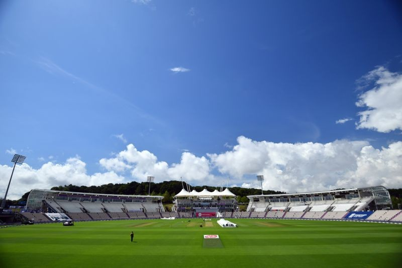 Cricket - Second Test - England v Pakistan - Ageas Bowl, Southampton, Britain - August 17, 2020 General view as rain delays the start of play, as play resumes behind closed doors following the outbreak of the coronavirus disease (COVID-19) Glyn Kirk/Pool via REUTERS
