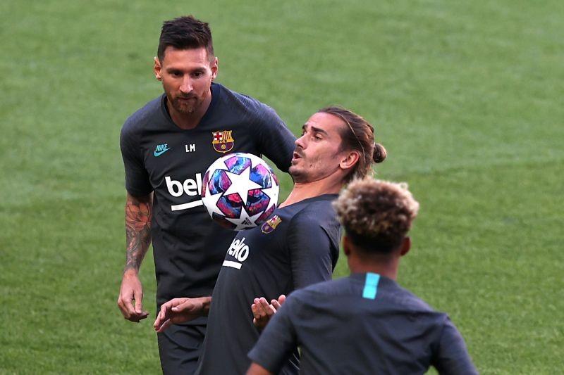 FC Barcelona's Antoine Griezmann and Lionel Messi during training REUTERS/Rafael Marchante/Pool