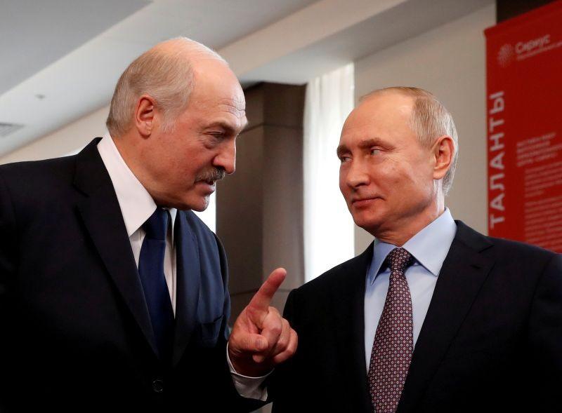 Belarus President Alexander Lukashenko and Russian President Vladimir Putin meet at the Sirius Educational Center in the Black sea resort of Sochi, Russia on February 15, 2019. (REUTERS File Photo)
