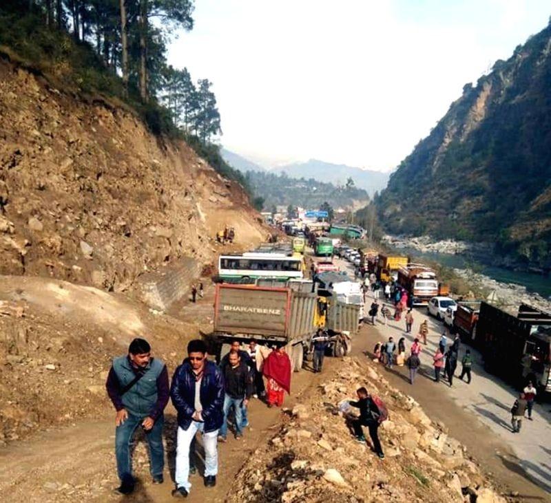 Landslide blocks stretch of Chandigarh-Manali highway. (IANS Photo)