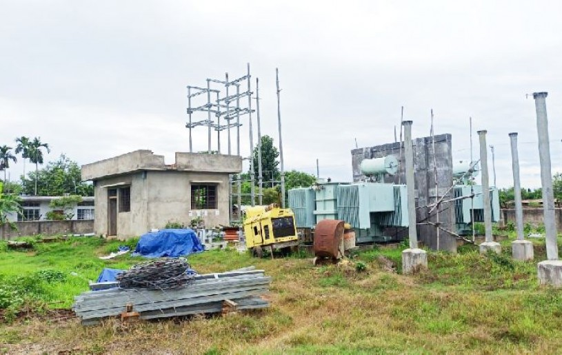 Inactive since January, equipments left unattended at the construction site of the 20 MVA distribution sub-station at Padumpukhuri, Dimapur. (Morung Photo)