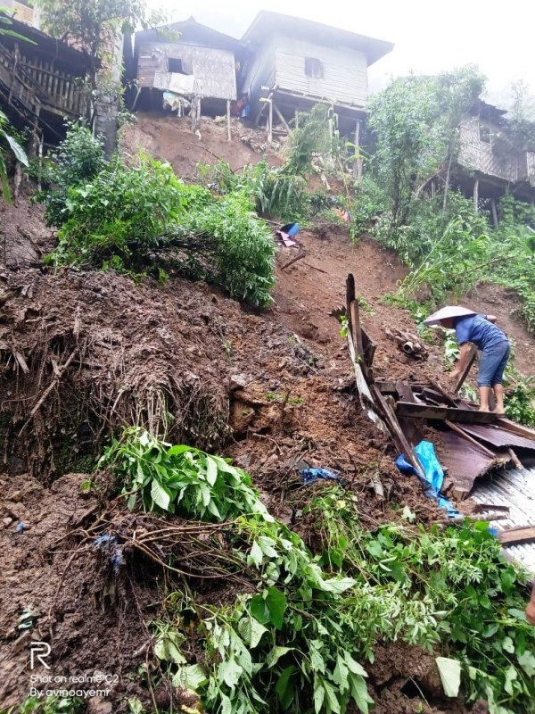 Several families have been affected by landslides across Zunheboto town as a result of heavy and persistent rains this year. Advisor, School Education KT Sukhalu, provided emergency relief fund on September 15 to the families. The relief was disturbed to families in North Point and Alahuto colony.