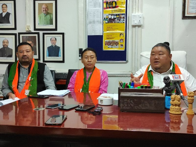 Minister Temjen Imna Along, Nagaland State Mahila Morcha President Phangnon Konyak and State Secretary BJP Akum O addressing the press conference held on September 21.