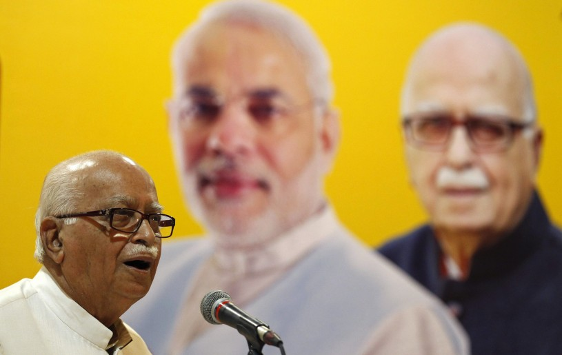 Bharatiya Janata Party (BJP) leader Lal Krishna Advani addresses his supporters during an election campaign in Ahmedabad, April 20, 2014. REUTERS/Amit Dave/Files