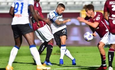 Atalanta's Alejandro Gomez in action REUTERS/Massimo Pinca