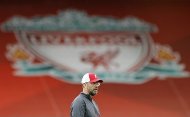 Soccer Football - Premier League - Liverpool v Leeds United - Anfield, Liverpool, Britain - September 12, 2020 Liverpool manager Juergen Klopp during the warm up before the match Pool via REUTERS/Phil Noble/Files