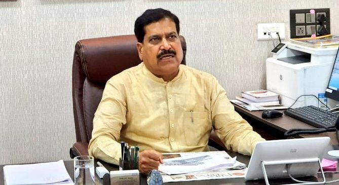 Minister of State for Railways and Karnataka BJP MP Suresh Angadi passed away on September 23, days after he tested positive for COVID-19. (File Photo: @SureshAngadi_/Twitter)
