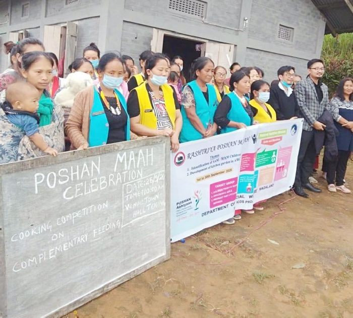 Participants and officials during the Cooking competition cum complementary feeding under Poshan Maah programme organised by CDPO at Tening on September 26. (DIPR Photo)