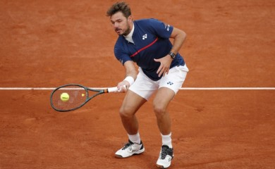 Tennis - French Open - Roland Garros, Paris, France - September 27, 2020. Switzerland's Stan Wawrinka in action during his first round match against Britain's Andy Murray REUTERS/Charles Platiau