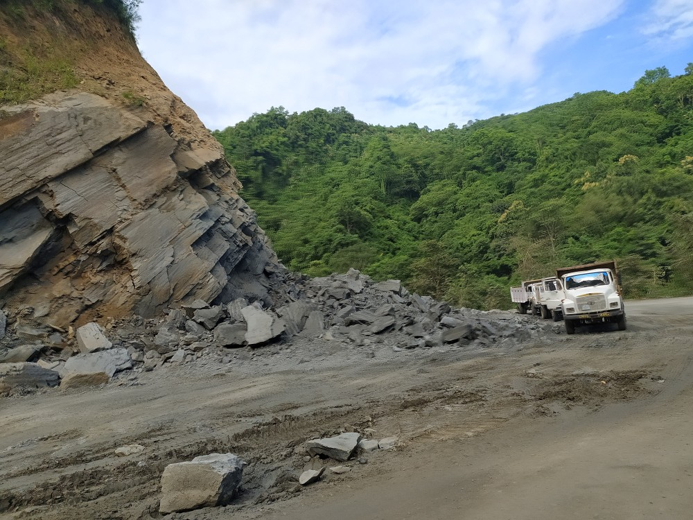 A file photo of ongoing road construction along the National Highway 29 Chümoukedima-Kohima sector. (Morung File Photo)