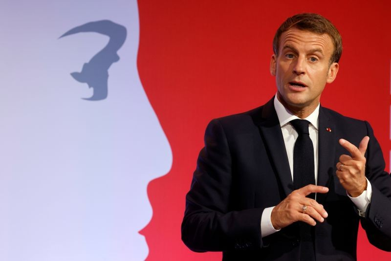 French President Emmanuel Macron delivers a speech to present his strategy to fight separatism, in Les Mureaux, near Paris, France on October 2. (REUTERS Photo)