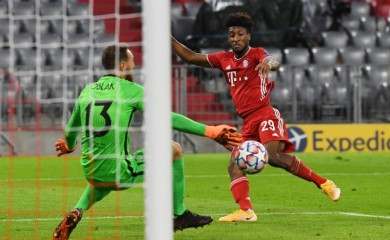Bayern Munich's Kingsley Coman scores their fourth goal REUTERS/Andreas Gebert