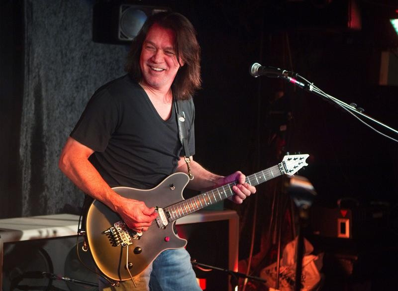 FILE PHOTO: Guitarist Eddie Van Halen performs during a private Van Halen show to announce the band's upcoming tour at Cafe Wha? in New York January 5, 2012. REUTERS/Lucas Jackson