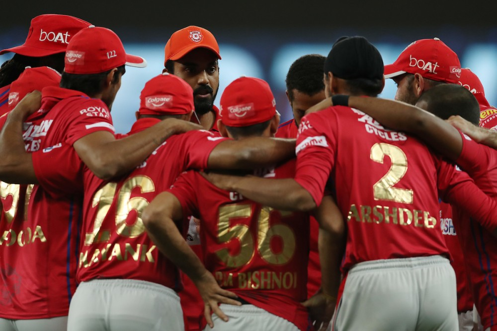 Kings XI Punjab players huddle before a Super Over. (Image Courtesy: @IPL/Twitter)