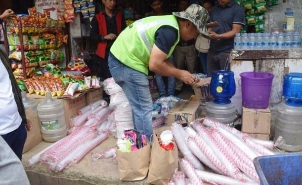 Kohima District Task Force on total ban of single use plastic with NGOs conduct checking and confiscation exercise in Kohima town on October 4, 2019. (DIPR/Morung File Photo)