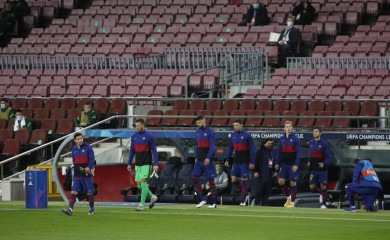 FC Barcelona's Lionel Messi and teammates walk out on the pitch before the match REUTERS/Albert Gea/File photo