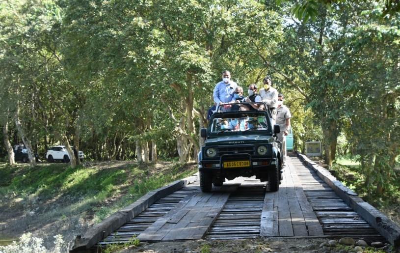 After 7 months, world fame Kaziranga National Park in Assam opens for tourists. (IANS Photo)