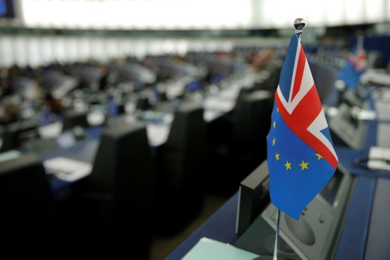 An hybrid flag depicting the EU and the British flags is seen during a debate on the last EU summit and Brexit at the European Parliament in Strasbourg, France, October 22, 2019. (REUTERS File Photo)