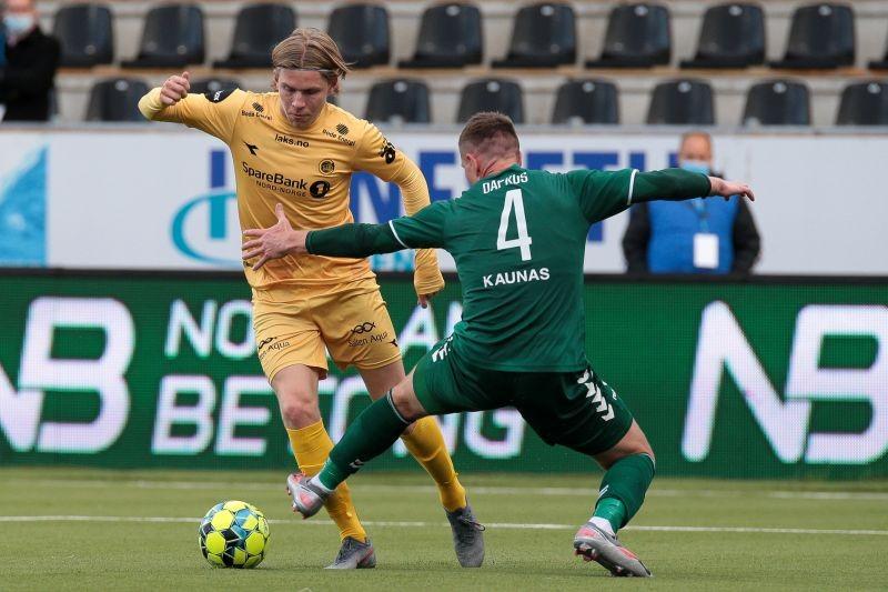 FILE PHOTO: Jens Petter Hauge in action with Kauno Zalgiris' Martynas Dapkus. Mats Torbergsen/NTB Scanpix/via REUTERS