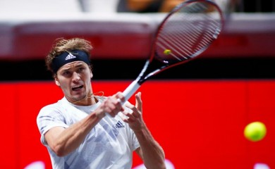 FILE PHOTO: Germany's Alexander Zverev in action during the final against Canada's Felix Auger Aliassime REUTERS/Thilo Schmuelgen