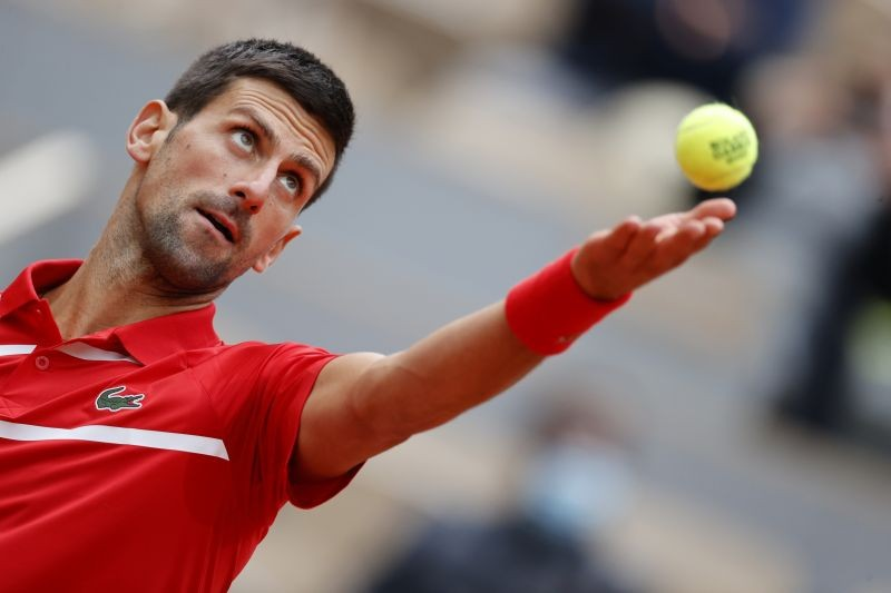 Tennis - French Open - Roland Garros, Paris, France - October 1, 2020 Serbia's Novak Djokovic in action during his second round match against Lithuania's Ricardas Berankis REUTERS/Christian Hartmann