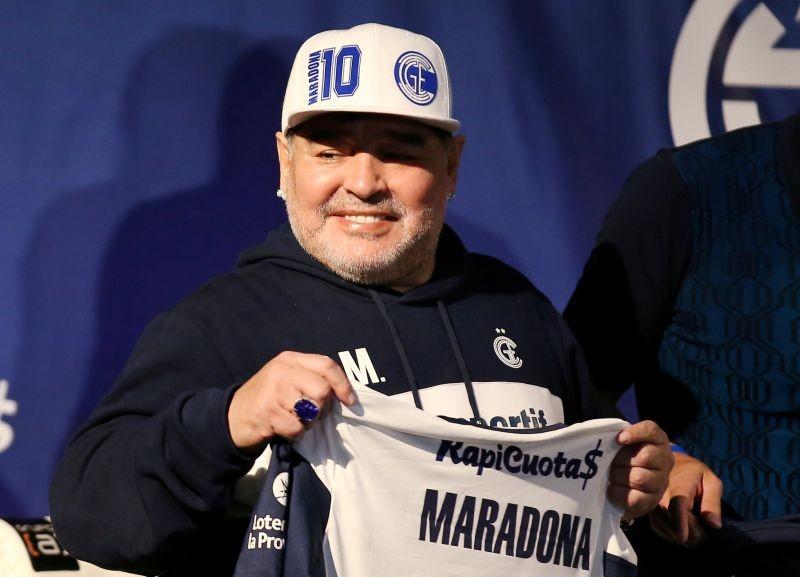FILE PHOTO: Diego Maradona during his presentation as new coach of Gimnasia y Esgrima REUTERS/Agustin Marcarian/File Photo