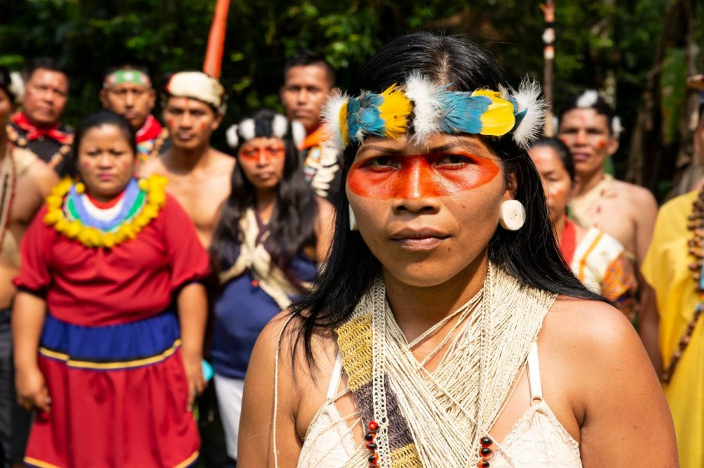 2020 Goldman Environmental Prize Winner for South Central America Nemonte Nenquimo and members of the Waorini community; photo credit – Jeronimo Zun?iga