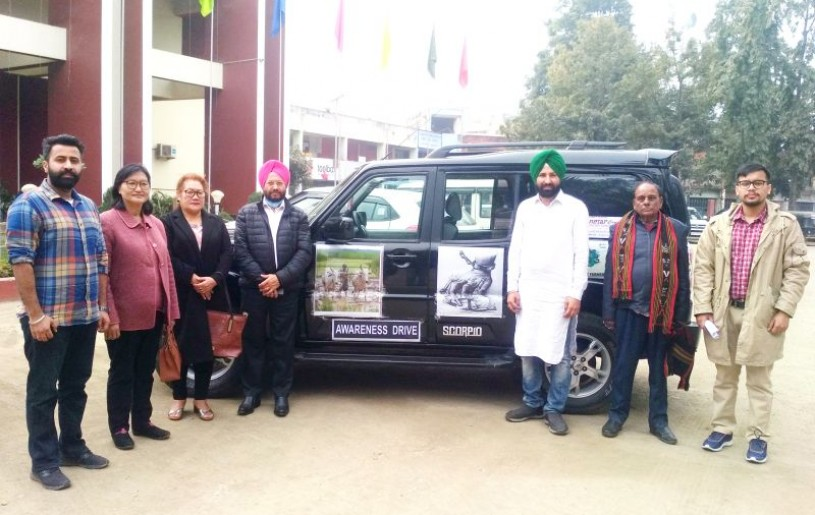 Farmers from Punjab along with members of Bharatiya Farmers Agro Business Development Co-operative Ltd., and others after a press briefing in Dimapur, on January 17. (Morung Photo)