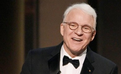 Steve Martin waited in person at the Javits Center to receive his jab. (Photo: AP/File)