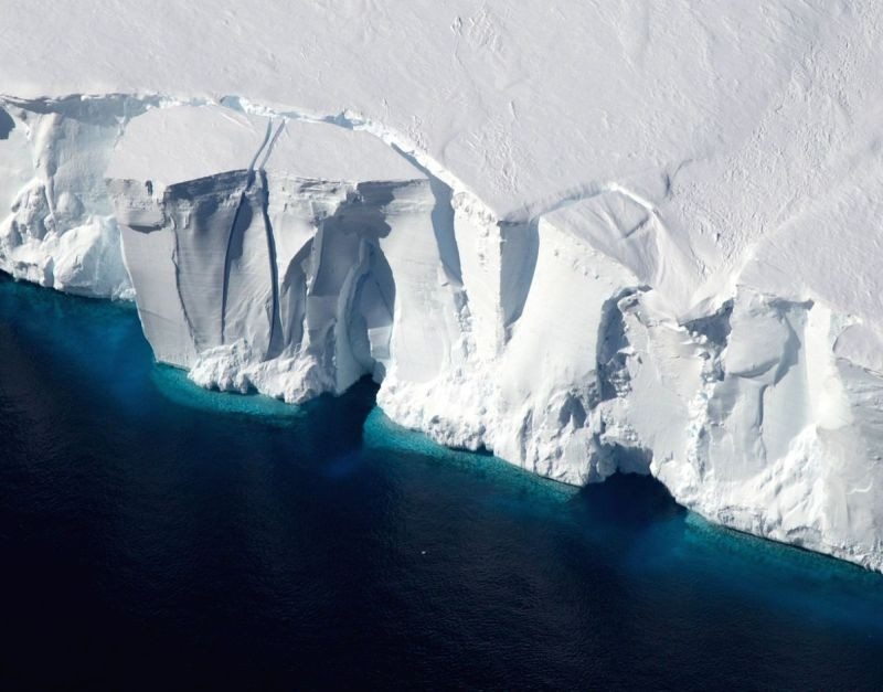 Ice shelves in Antarctica, such as the Getz Ice Shelf seen here, are sensitive to warming ocean temperatures. (IANS File Photo)
