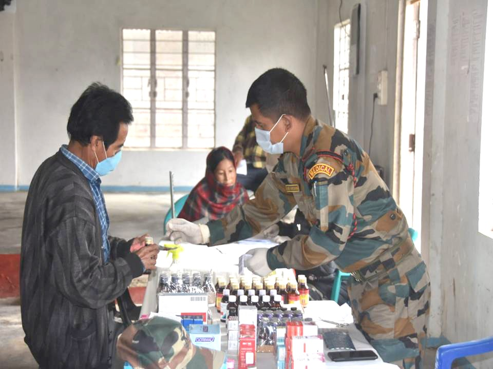 Assam Rifles Battalion under the aegis of IGAR (North) conducted a medical camp at Samzuiram on January 17. The medical team provided free medical consultancy and medicines to the villages while also briefing them on the essential of COVID-19 precautions, general hygiene and sanitation. 182 villagers reportedly attended the camp. (Photo Courtesy: HQ IGAR (N))