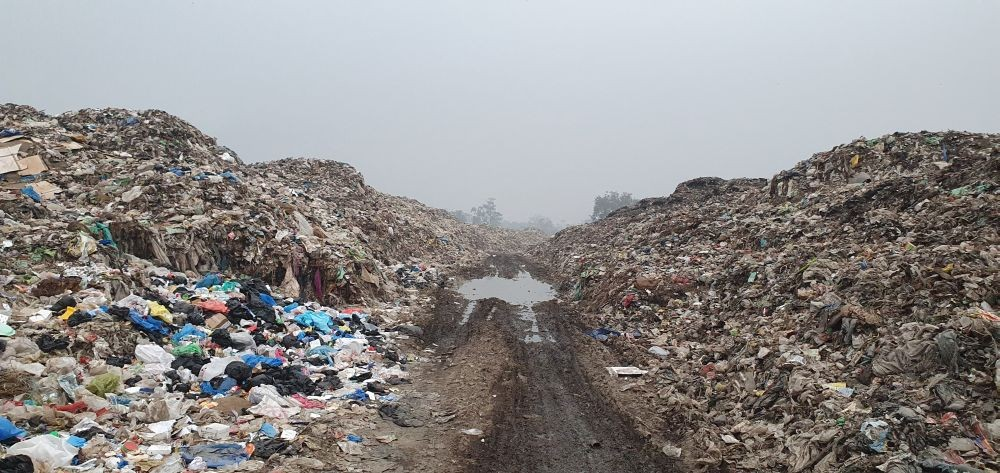 À view of the DMC garbage dumping site at Sunrise Colony, Dimapur on February 25. (Morung  Photo)