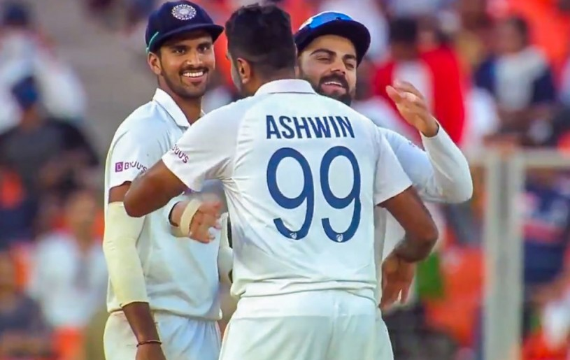Ahmedabad: Indian bowler R Ashwin being greeted by skipper Virat Kohli on completing 400 test wickets, on the second day of the 3rd cricket test match between India and England, at Narendra Modi Stadium in Ahmedabad, Thursday, Feb. 25, 2021. Ashwin became the fastest Indian bowler to 400 Test wickets. (PTI Photo)