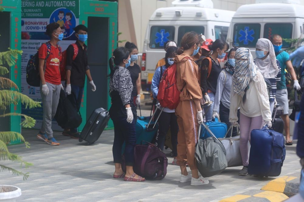 Returnees arrive to Dimapur Railway Station during the lockdown in 2020. (Morung file Photo)